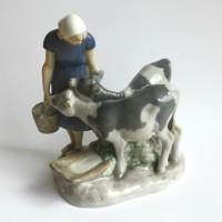 Pige med kalve